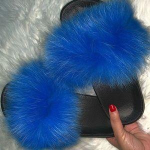 BLUE FOX FUR SLIDES!